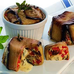 Auberginen Toertchen mit Antipasti und Gorgonzola