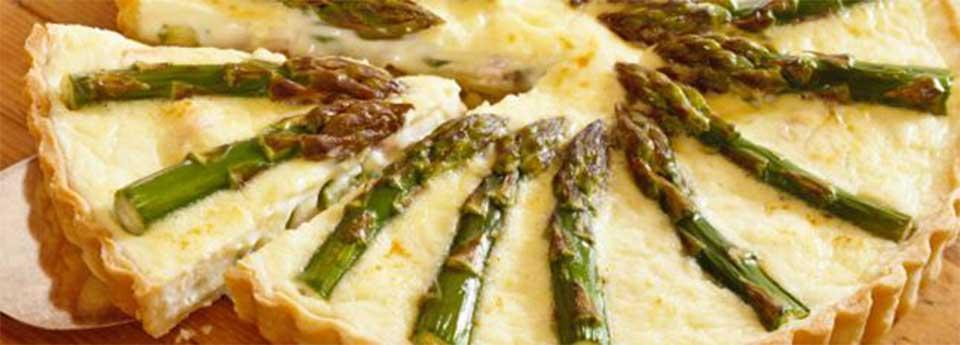 Herzhafte Spargel Tarte mit Gorgonzola