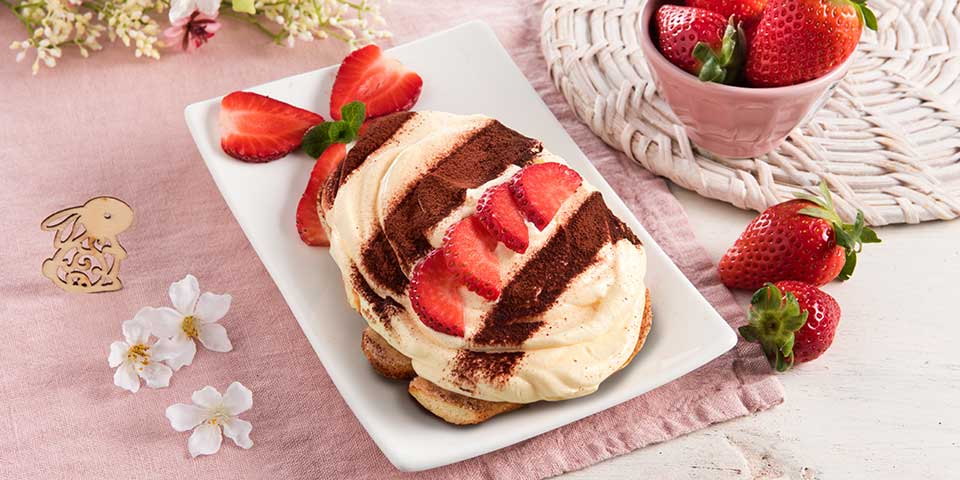 Osterei Tiramisu mit Erdbeeren