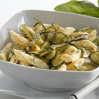 Penne mit Zucchini und Ricotta