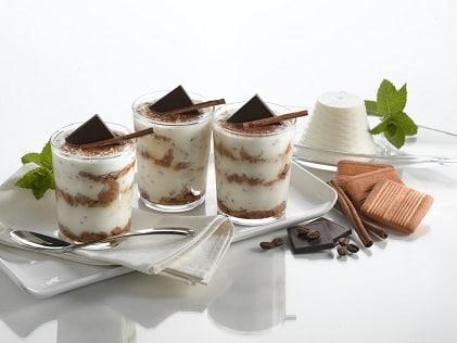 Leichtes Tiramisu mit Ricotta Schokolade und Butterkeksen