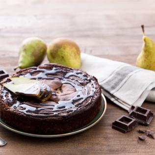 Schokoladen-Birnenkuchen mit Ricottafüllung