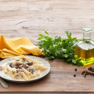 Pasta mit Trüffel-Ricotta Soße
